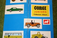 Corgi toys book for cards (8)