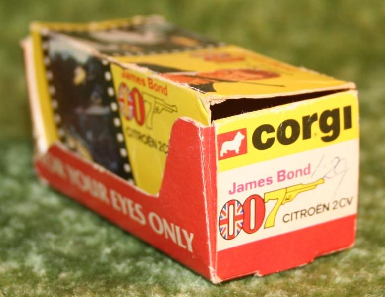 007 citroen corgi jr (7)