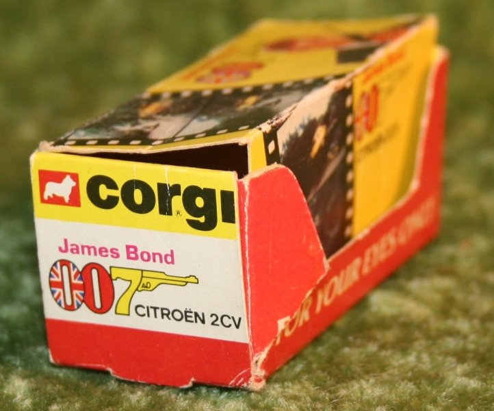 007 citroen corgi jr (8)