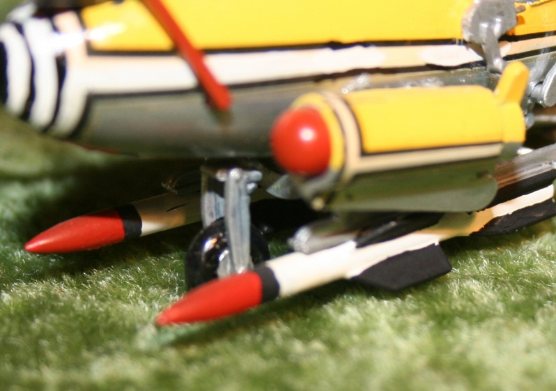 007-airfix-little-nellie-11
