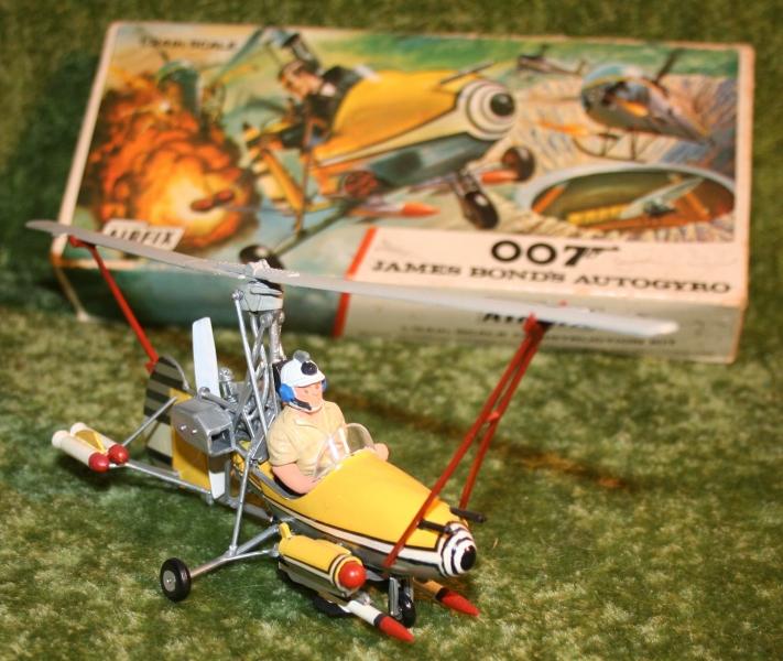 007-airfix-little-nellie-6