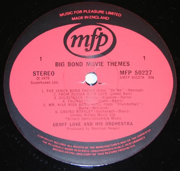 007 big bond themes geoff love Moore sleeve (5)