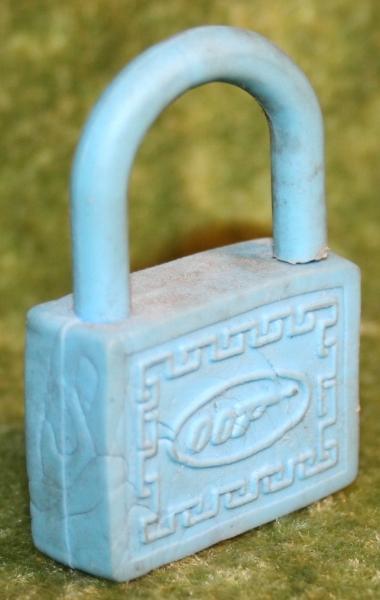 007 blue rubber padlock (2)