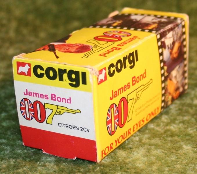 007 citroen 2cv corgi toys large (11)