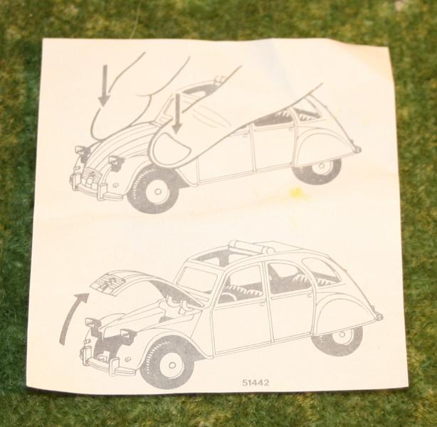007 citroen 2cv corgi toys large (3)