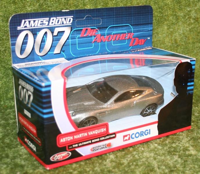 007 DAD Aston corgi (2)