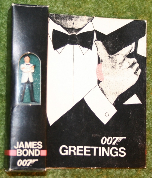 007 little lead soldier fig