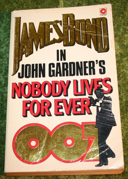 007 nobody lives for ever