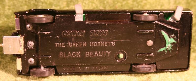 green-hornet-corgi-19