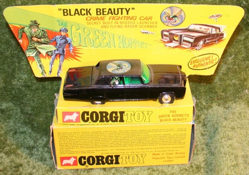 green-hornet-corgi-24