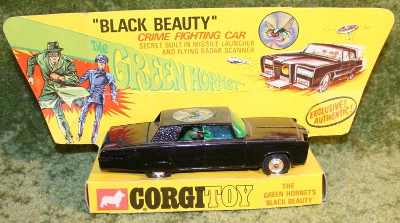 green-hornet-corgi-5
