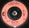 hitchhikers guide marvin single (5)