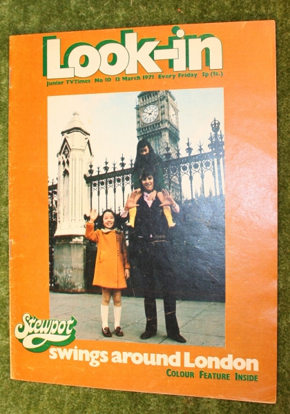 look-in-1971-no-10