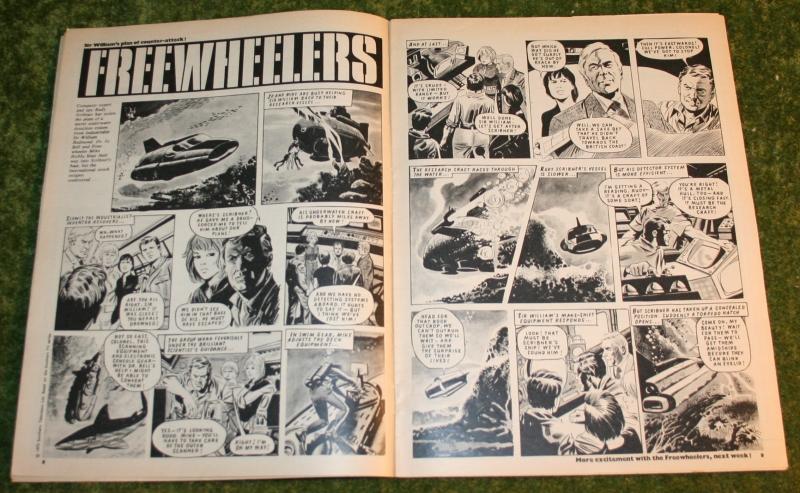 Look In 1972 no 10 (4)