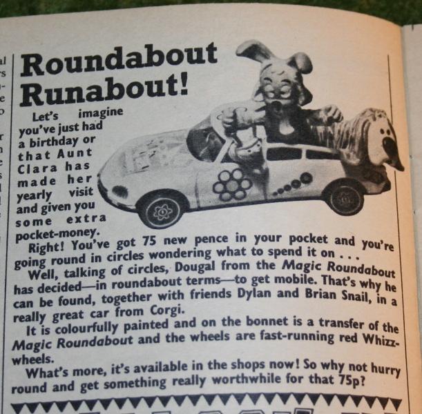 Look in 1972 no 15 (5)