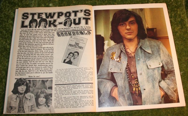 look in 1973 no 14 (3)