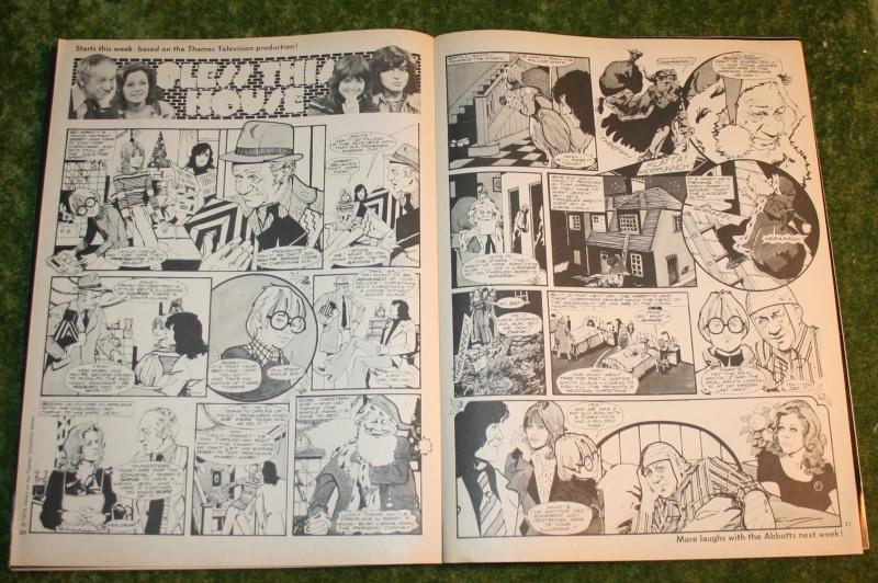 Look in 1974 no 1 (dec 73) (5)