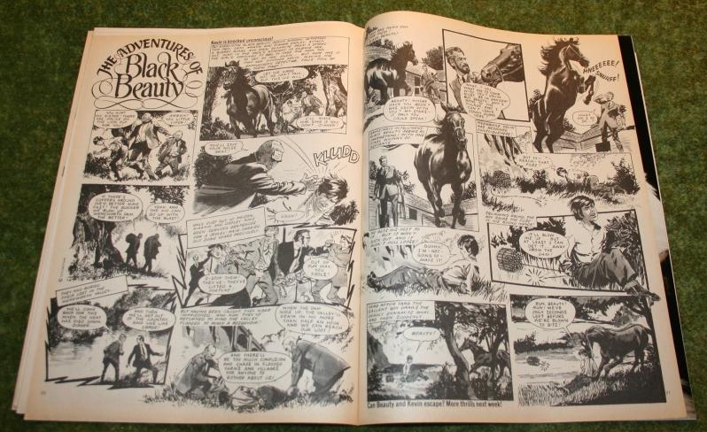 Look In 1975 No 10 (5)