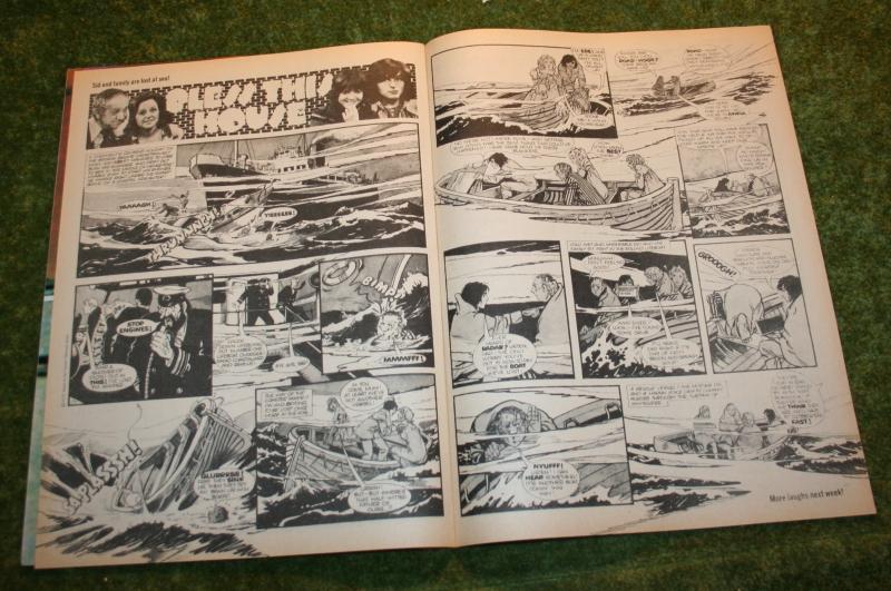 Look In 1975 no 31 (5)