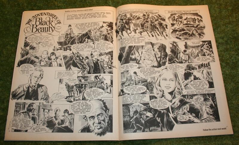 Look In 1975 no 33 (3)