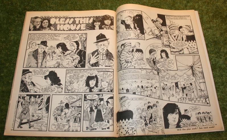 Look In 1975 No 4 (7)