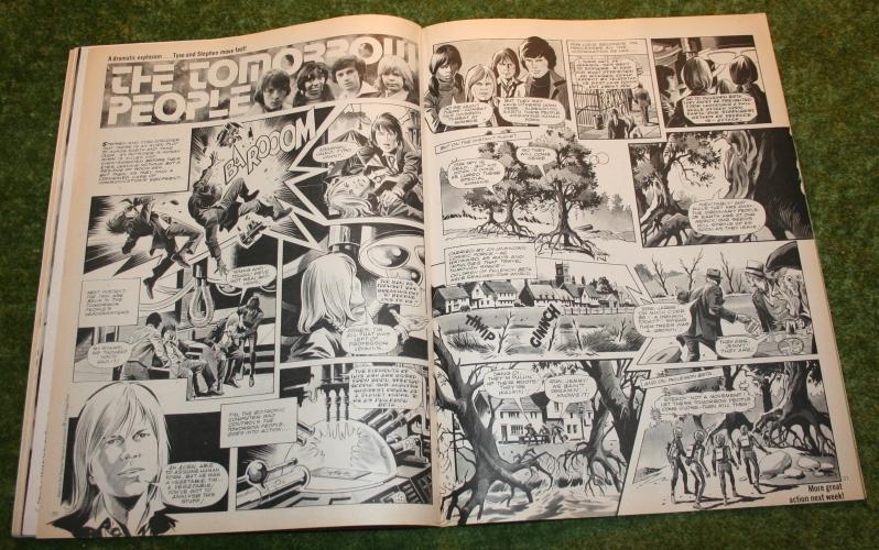 Look In 1975 no 46 (11)