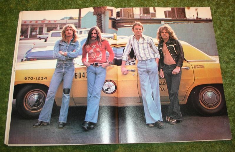 look-in-1976-no-15-damaged-10