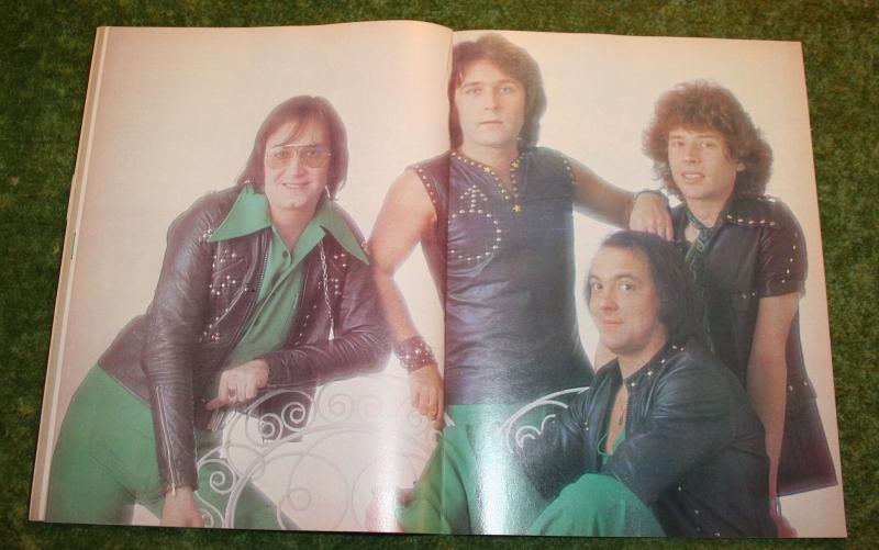 look-in-1976-no-24-9