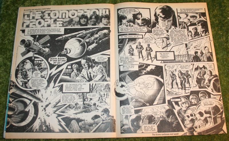 Look In 1977 no 14 (4)