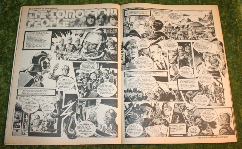 Look In 1977 no 23 (3)