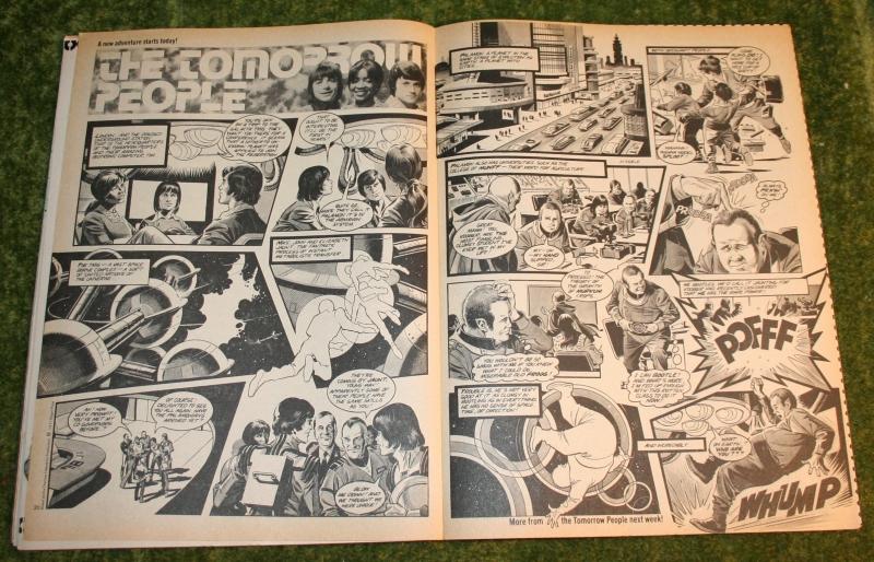Look In 1977 no 28 (8)