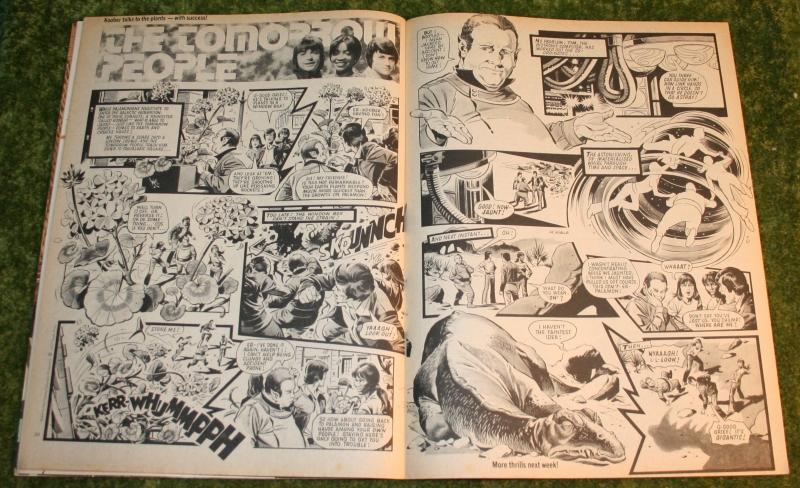 Look In 1977 no 32 (4)
