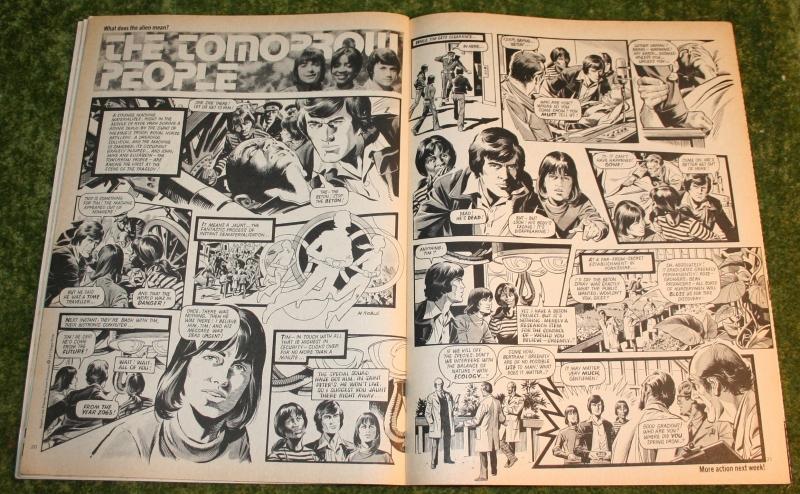 Look In 1977 no 35 (4)