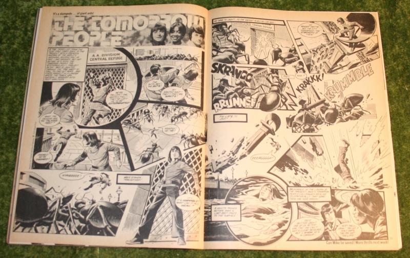 Look in 1977 no 37 (13)