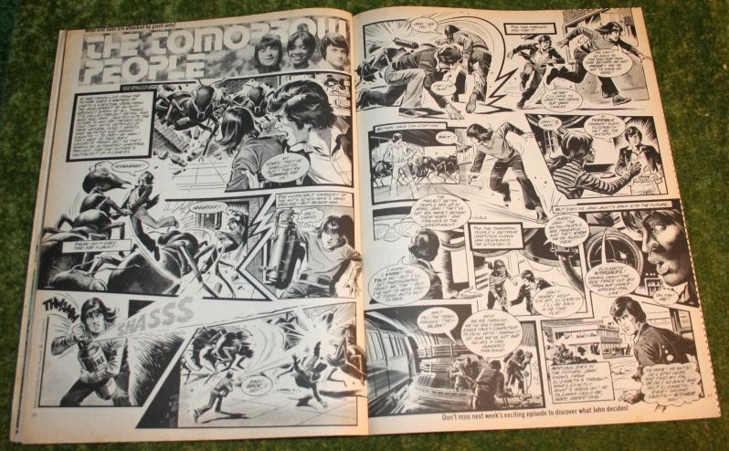 Look In 1977 no 39 (3)