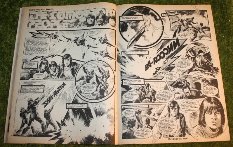 Look In 1977 no 46 (7)