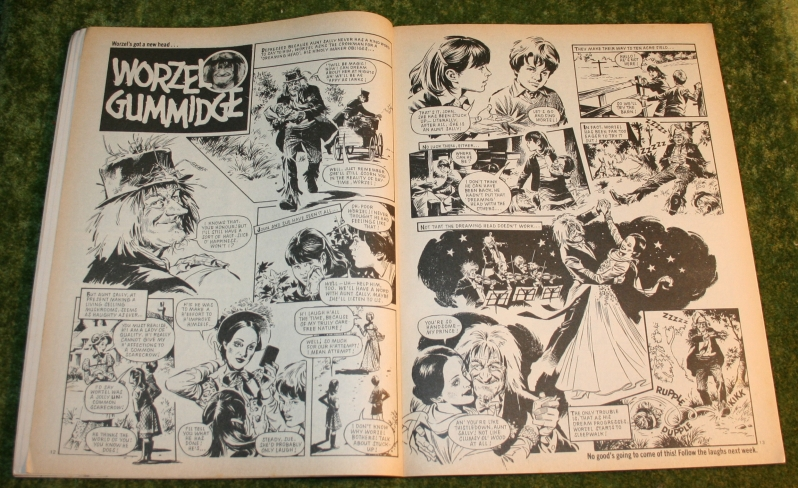 Look in 1980 no 12 (3)
