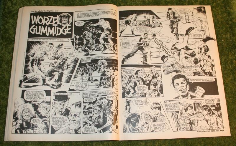 Look in 1980 no 25 (6)