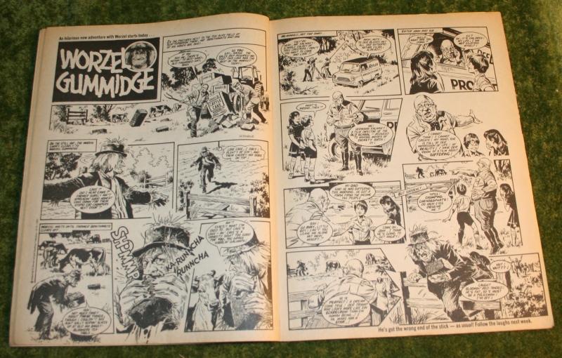 Look in 1980 no 26 (5)