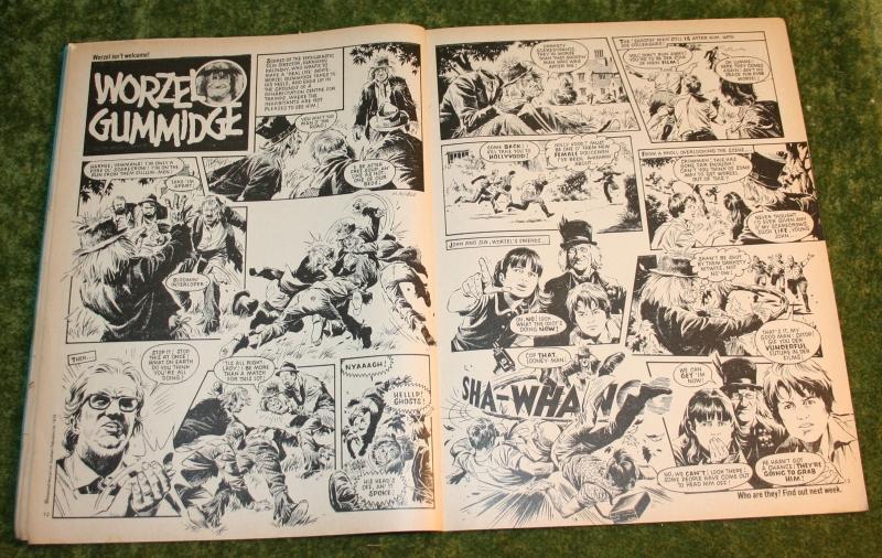 Look in 1980 no 30 (3)