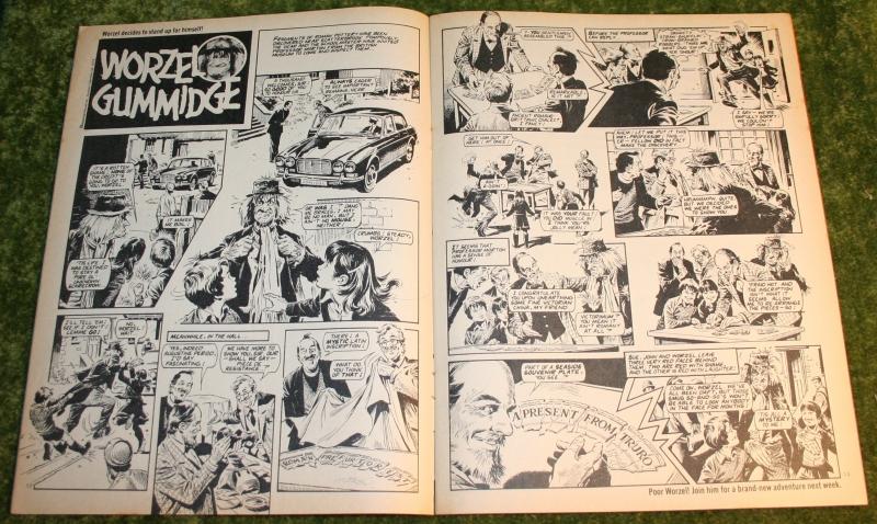 Look in 1981 no 15 (3)