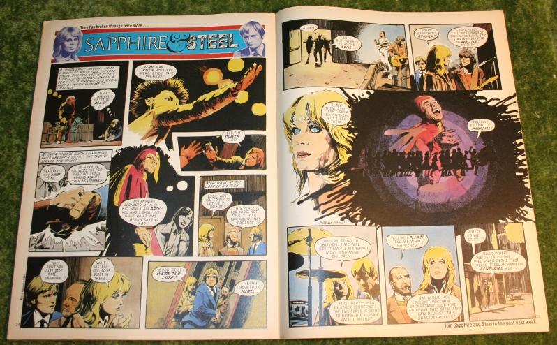 Look in 1981 no 15 (5)