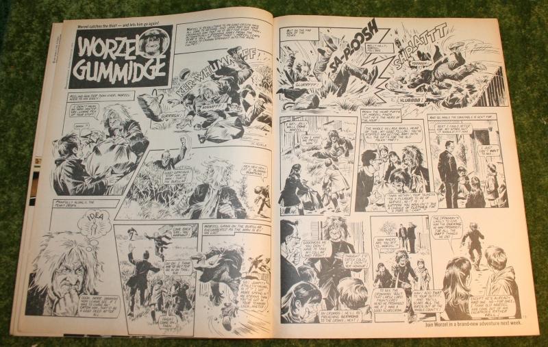 Look in 1981 no 6 (4)