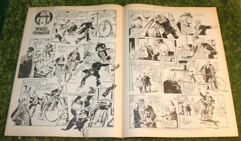 Look in 1982 no 7 (9)