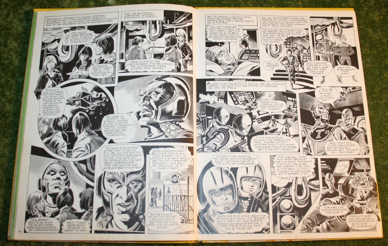 Look In Annual (c) 1975 (10)