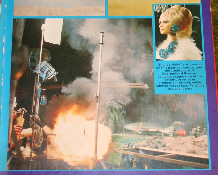 Look In Annual (c) 1976 (8)