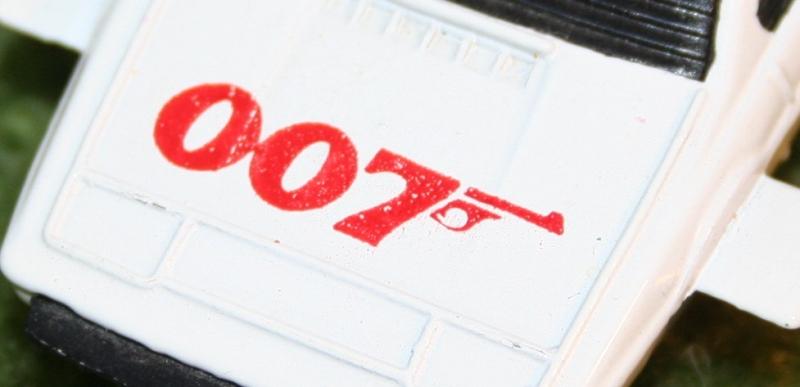 007 loose corgi jr Lotus (5)