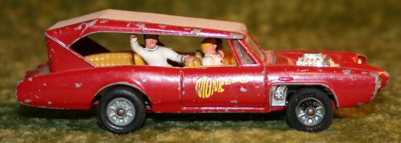 Monkee Mobile Corgi (2)