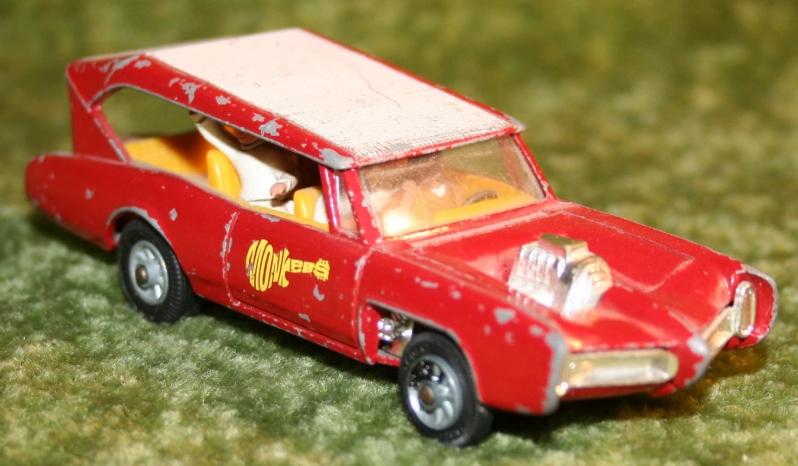 Monkee Mobile Corgi (5)