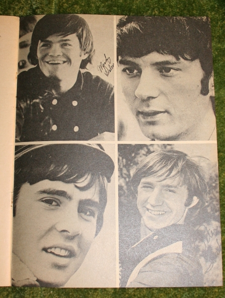 record-song-book-aveng-1-april-1967